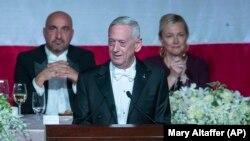 Колишній очільник Пентагону Джим Маттіс виступає на засіданні Фонду Альфреда Сміта, 17 жовтня 2019 року