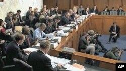 Ομάδα μελών του Κογκρέσου ζητά βαθύτερες περικοπές δαπανών