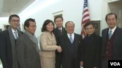 台湾代表团与美国联邦众议员孟昭文(女)合影 (来源:台湾驻美代表处)