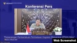 Menko Perekonomian Airlangga Hartarto dalam telekonferensi pers di Jakarta, Senin (8:3) mengungkapkan PPKM Mikro diperpanjang mulai 9-22 Maret 2021 (Foto: VOA)