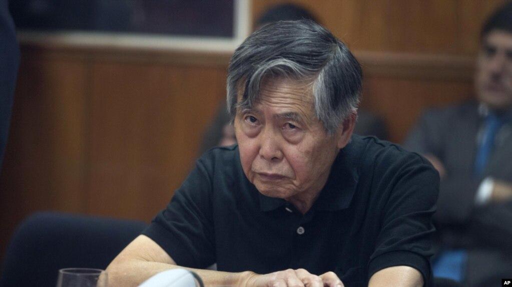 Alberto Fujimori fue condenado en 2009 por su autoría mediata en el asesinato de 25 peruanos durante los primeros años de su gobierno entre 1991-1992.