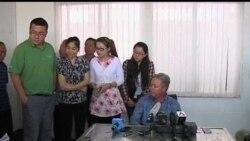 2013-06-26 美國之音視頻新聞: 美國公司老板被中國工人扣在廠六天