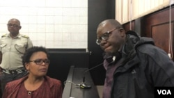 FILE - Attorney Beatrice Mtetwa of Zimbabwe Lawyers for Human Rights says she will challenge Tendai Biti's arrest in court on Friday. Harare Magistrate Court, Harare, Aug. 9, 2018. (C. Mavhunga for VOA)