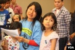 Một gia đình nhập cư vào Hoa Kỳ
