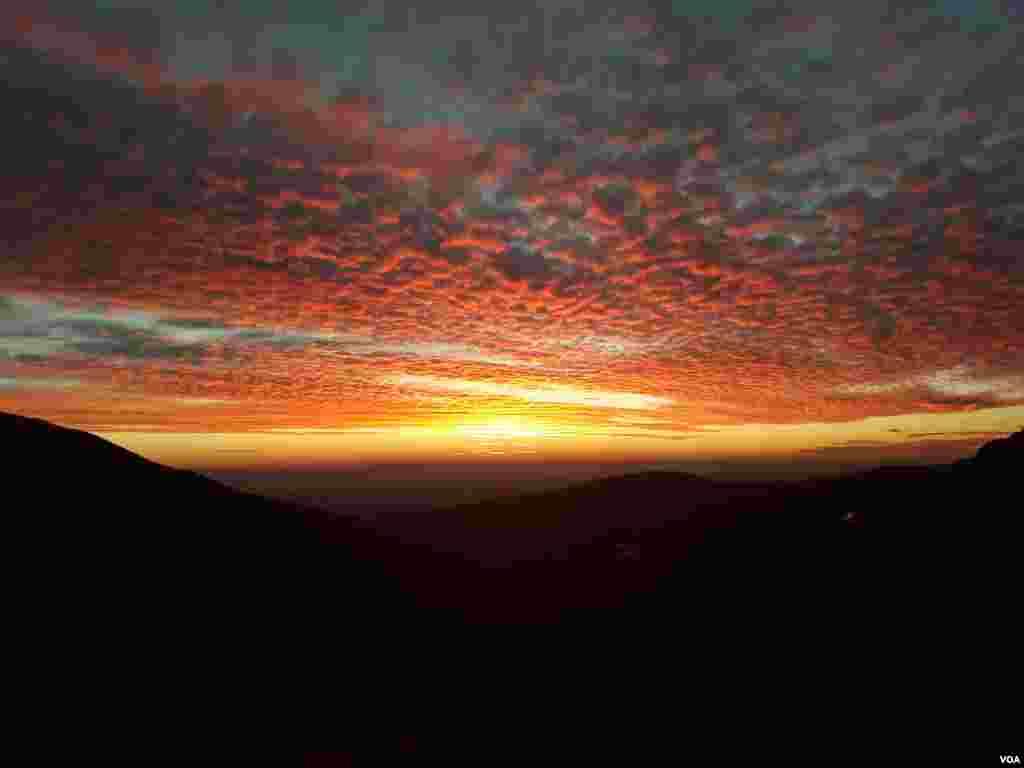 نمایی از آسمان روستای آتشگاه کرج- البرز عکس: فخری (ارسالی شما)