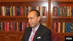 Representative Luis Gutierrez (D-IL)