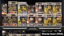 Mainan dari perusahaan Funko yang dijual di Comic-Con International di San Diego, California (Foto: VOA)