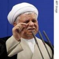 وقايع روز: آيت الله خامنه ای می گويد چهارشنبه سوری «مستلزم ضرر و فساد زيادى است که مناسب است از آنها اجتناب شود»