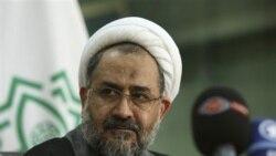 روز یکشنبه، مصلحی اعلام کرد استعفا می دهد و احمدی نژاد آن را پذیرفت