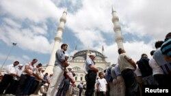 Nhà thờ Hồi giáo Mimar Sinan ở Istanbul
