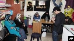 Penculikan warga Lebanon di Suriah yang dipandang sebagai ketidakmampuan pemerintah Lebanon melindungi warganya mendorong kelompok Mekdad bertindak sendiri dengan menculik puluhan warga Suriah dan seorang pebisnis Turki (foto: dok).