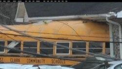 2012-03-03 美國之音視頻新聞: 龍捲風襲擊美國造成20多人死亡