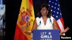 La primera dama de Estados Unidos visitó Liberia, Marruecos y España en su gira para promover su campaña por la educación de las niñas.
