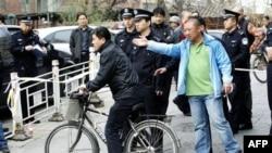 محکوميت يک وکيل حقوق بشر و همسرش در چين