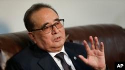 北韓勞動黨國際部部長李洙墉訪問中國。