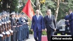 Premijeri Albanije i Crne Gore, Edi Rama i Milo Đukanović, tokom susreta u Podgorici (Biro)