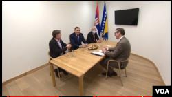 Predsjednik Srbije na sastanku sa članovima Predsjedništva BiH na aerodromu u Sarajevu