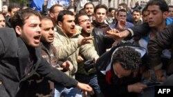 Suriyada qo'zg'olon avjida