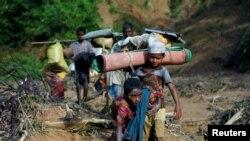 Refugiados Rohingya na rota para o Bangladesh, 8 de Setembro, 2017