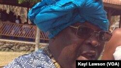 Togbui Assiobo Gnagblodjro III, président de prêtres traditionnels du Togo, forum a été initié par l'ONG Alafia, à Lomé, Togo, le 25 octobre 2016. (VOA/Kayi Lawson)