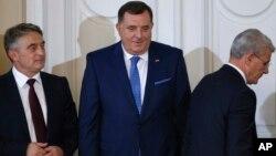 Željko Komšić, Milorad Dodik i Šefik Džaferović su dužnost kolektivnog šefa države preuzeli 20. novembra