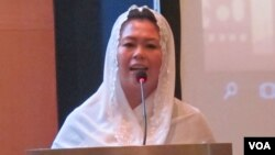 Direktur Eksekutif the Wahid Institute, Yenny Wahid. (VOA/Fathiyah Wardah)