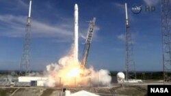 SpaceX Falcon 9 rocket and Dragon spacecraft blasts off from Space Launch Complex 40 at Cape Canaveral Air Force Station in Florida, April 14, 2015.