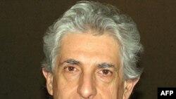 Андреа Ґраціозі – професор історії в університеті Неаполя імені Федеріко ІІ та президент Італійського товариства вивчення сучасної історії.