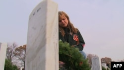 SHBA: Kurora në Varrezat e Arlingtonit për festat e fundvitit
