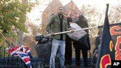 Ιράν: διαδηλωτές εισέβαλλαν στην βρετανική πρεσβεία στην Τεχεράνη