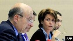 Ален Жюппе (на фото слева)