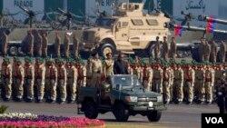 L'armée pakistanaise lors d'une parade à Islamabad, le 23 mars 2017.