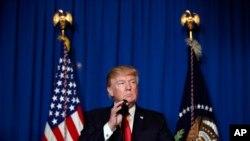 美军因叙利亚发动化学武器袭击而对叙利亚展开导弹打击后,美国总统川普发表讲话。(2017年4月6日)