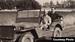 С братом Сэмом в Калифорнии. 1942 г.