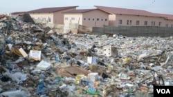 Angola Namibe lixo
