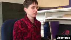 紐約艾瑪拉學院嘉莉·胡珀教授。(視頻截圖)