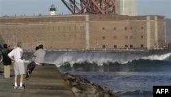 Tsunami ABD'nin Batısına Ulaştı