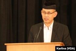 Wakil Duta Besar Indonesia untuk Amerika Iwan Freddy Hari Susanto membuka resmi Muktamar ke-20 IMSA di Chicago, Illinois, Kamis, 25 Desember 2019. (Foto: VOA/Karlina))