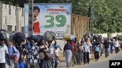 Dân Côte d'Ivoire chạy lánh nạn