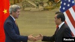 Державний секретар США Джон Керрі відвідує Пекін, 16 травня 2015