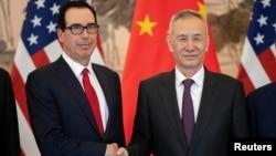 美国财政部长姆努钦与中国副总理刘鹤2019年3月29日在北京钓鱼台国宾馆