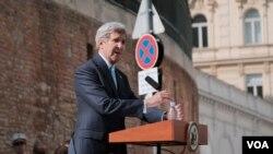 Le secrétaire d'Etat américain John Kerry (VOA)