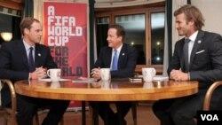 Upaya Pangeran William, PM David Cameron, dan David Beckam untuk menjadikan Inggris tuan rumah Piala Dunia 2018 terganggu oleh tuduhan korupsi yang dilancarkan media Inggris terhadap FIFA.