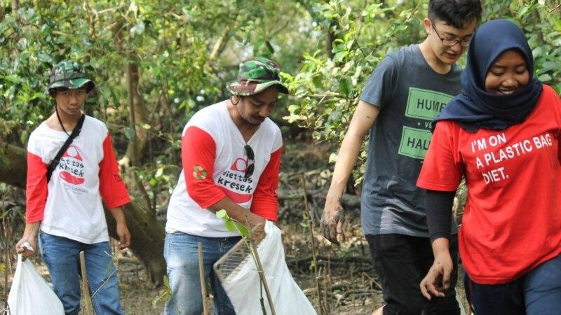 Surabaya Perangi Sampah Plastik dengan Gerakan Bersih Hutan Mangrove