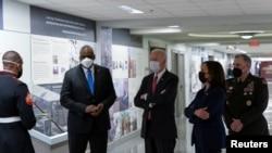 拜登總統與副總統哈里斯訪問五角大樓。(2021年2月10日)