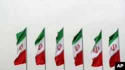 이란 국기가 펄럭이고 있다. (자료사진)