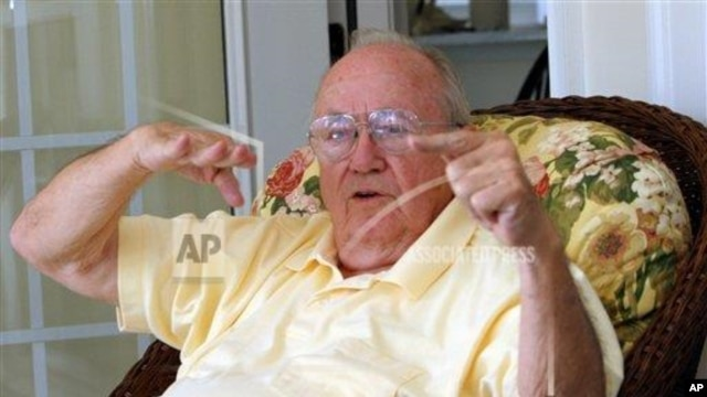 "Theodore ""Dutch"" Van Kirk, navigator on the B29 Superfortress that dropped the first atom bomb on Hiroshima, Japan, talks about the flight of the Enola Gay at his home in Stone Mountain, Georgia, July 18, 2005."