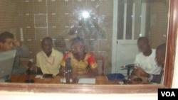 Debate dos jovens na Rádio Pdijiguiti em Bissau por ocasião das Eleições Gerais de 13 de Abril de 2014
