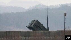 """美国在韩国部署的""""爱国者""""导弹(2016年2月13日)"""