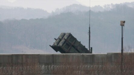Phi đạn Patriot được nhìn thấy ở căn cứ không quân Osan của Mỹ ở Pyeongtaek, Hàn Quốc, 13/2/2016.